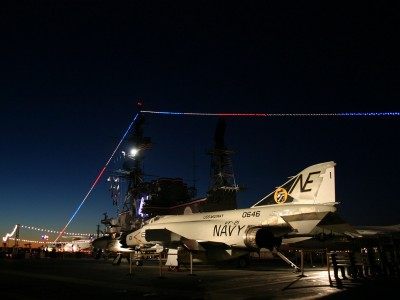 Naval-Aviation-Lighting-the-fighter-jets-for-reception